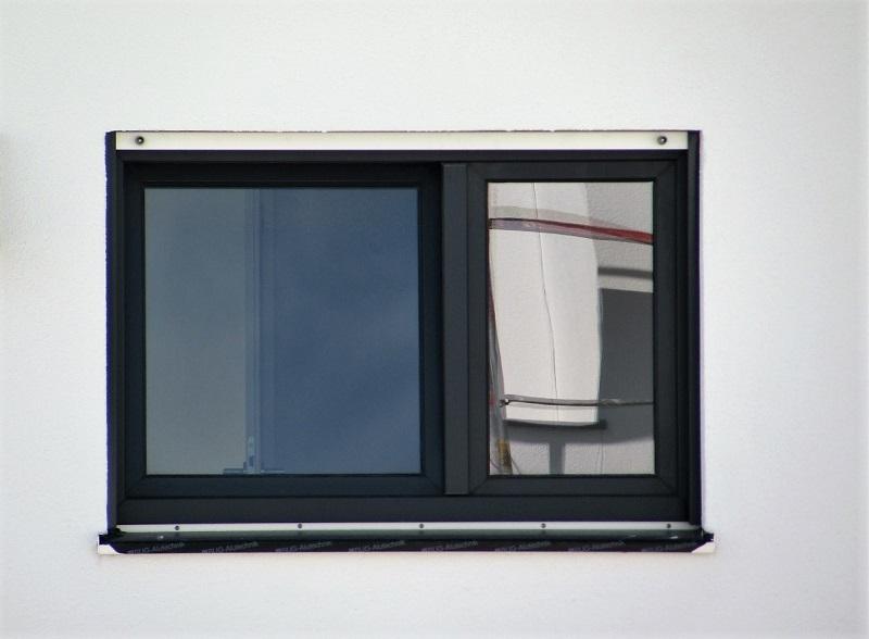 Kunststofffenster Anthrazit mi Sicherheitsbeschlag