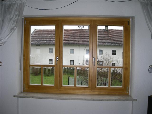 Holzfenster-Fichte 3flg-gestrichen mit T-Sprossen