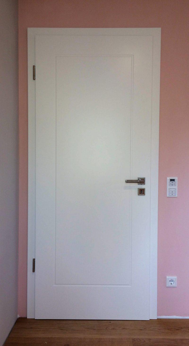 Zimmertüre weiss lackiert mit ausgefrästem Rahmen