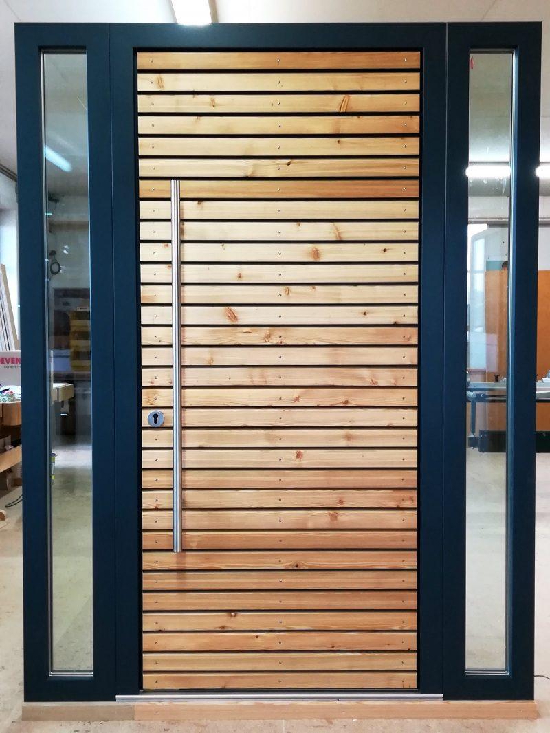 Haustüre mit Lärche Rhombusleistenn geölt und anthrazit lackiertem Rahmen