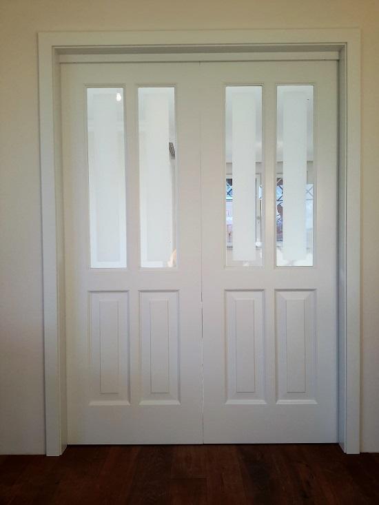 2 flüglige Zimmertüre Massiv weiss lackiert mit langen Füllungen Rahmenbau