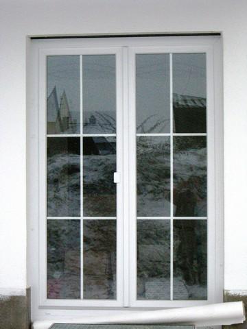 Kunststoff-Balkontüre in weiss mit 3 fach Glas