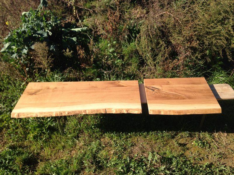Waschtischplatte mit Baumkante aus massiver Asteiche geölt